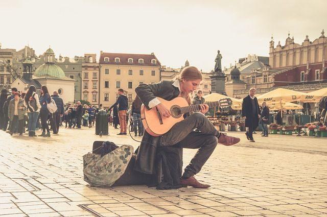 kinh nghiệm học guitar cho người mới-